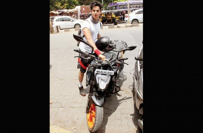 Dhadak star Ishaan Khatter gets punished for violating traffic rule
