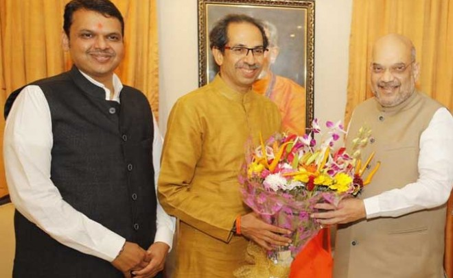 BJP-Sena joins hand to contest Lok Sabha